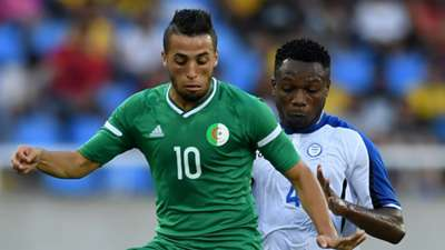 Abderrahmane Meziane of Algeria and Kevin Alvarez of Honduras