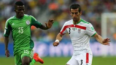 Ramon Azeez of Nigeria and Ehsan Hajsafi of Iran