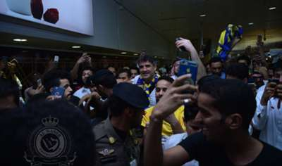 مدرب النصر الجديد «زوران ماميتش» يصل الرياض...