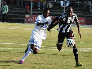 Raphael Manuvire of of ZPC Kariba and Mthulisi Maphosa of Highlanders