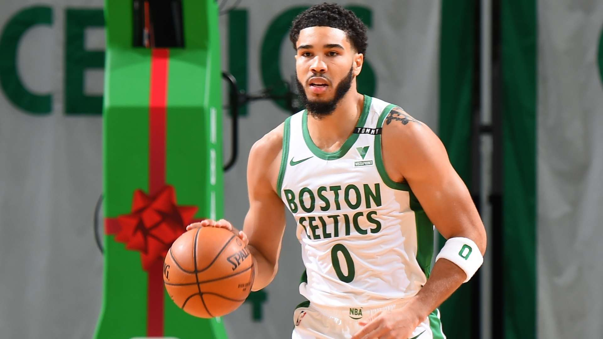 Eltics Uniform Christmas 2021 2020 Nba Christmas Teams Debut New Uniforms And Players Don Special Sneakers For The Holiday Nba Com India The Official Site Of The Nba