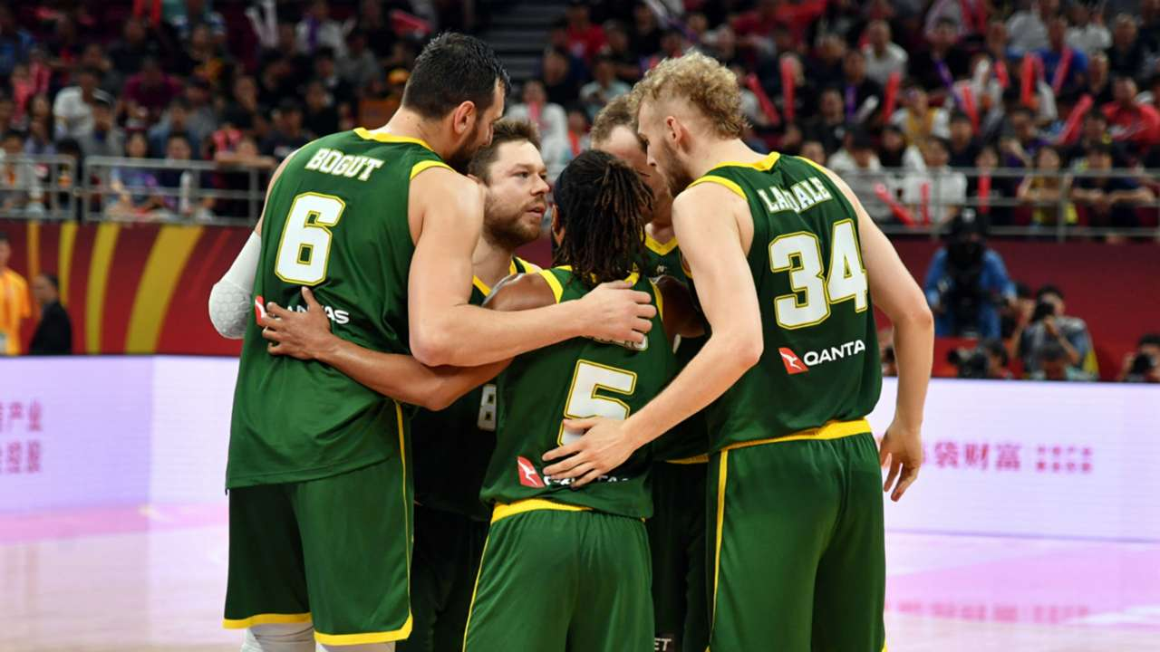 australian-boomers-huddle-091619-ftr-nbae-gettyimages