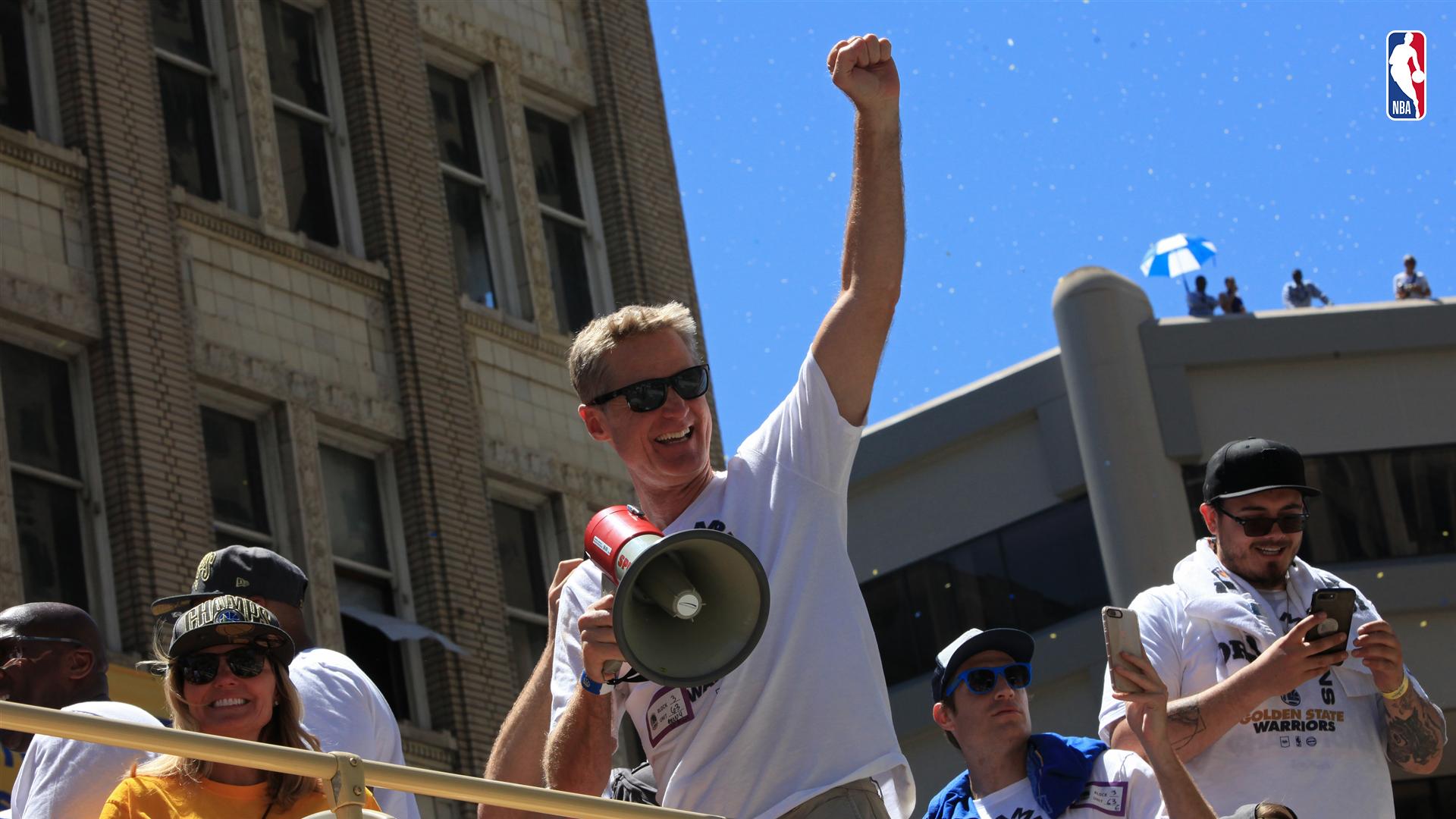 Steve Kerr festeja el campeonato NBA 20117-18