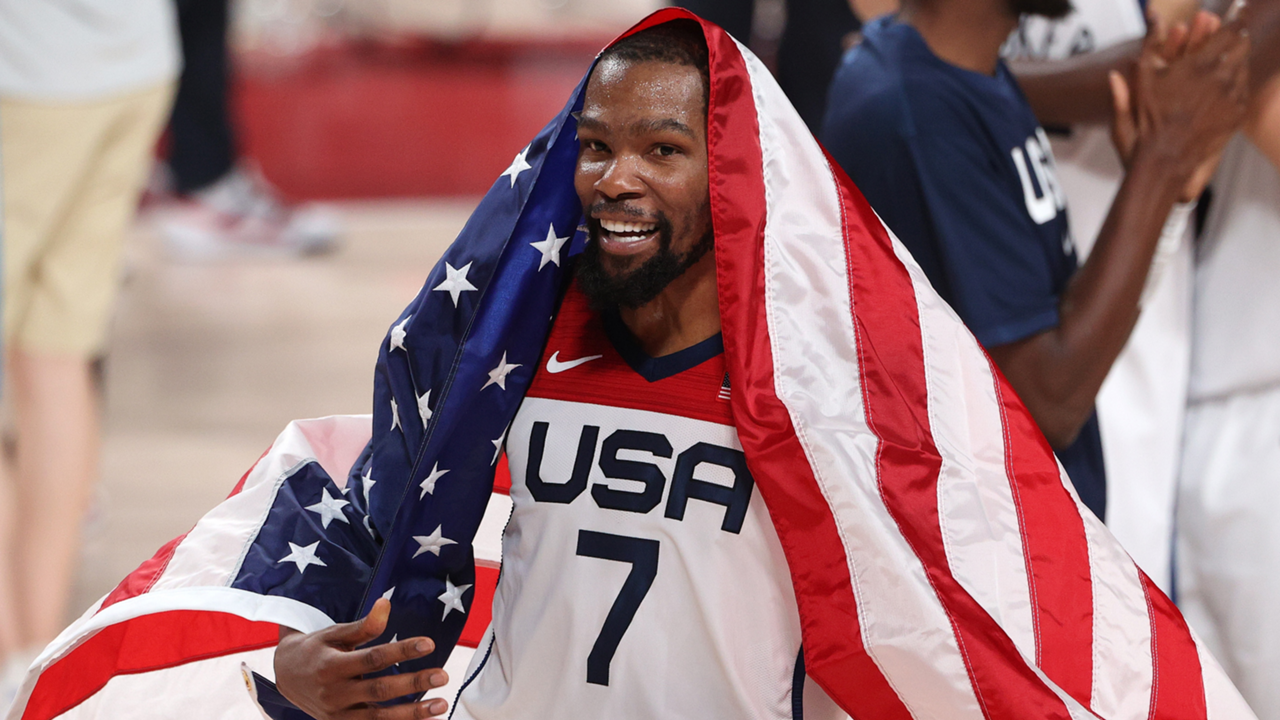 Kevin Durant celebrates Team USA's Olympic gold medal victory