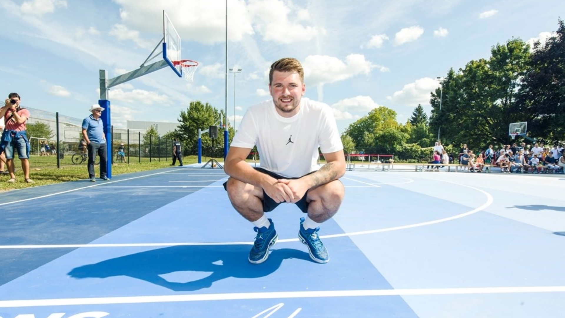 Together with 2K Foundations, Luka Doncic restored two basketball courts in his hometown in Slovenia | NBA.com Mexico | The Official Site of the NBA