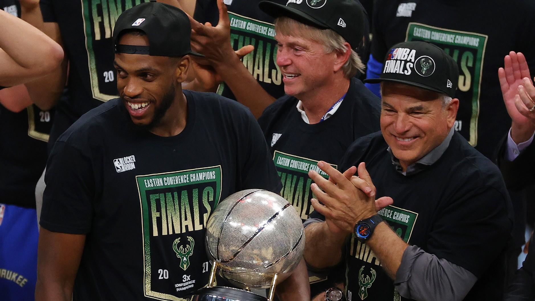 NBA Playoffs 2021: Khris Middleton steps up in Game 6 to ...