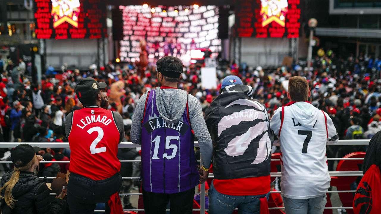 #Raptors fans