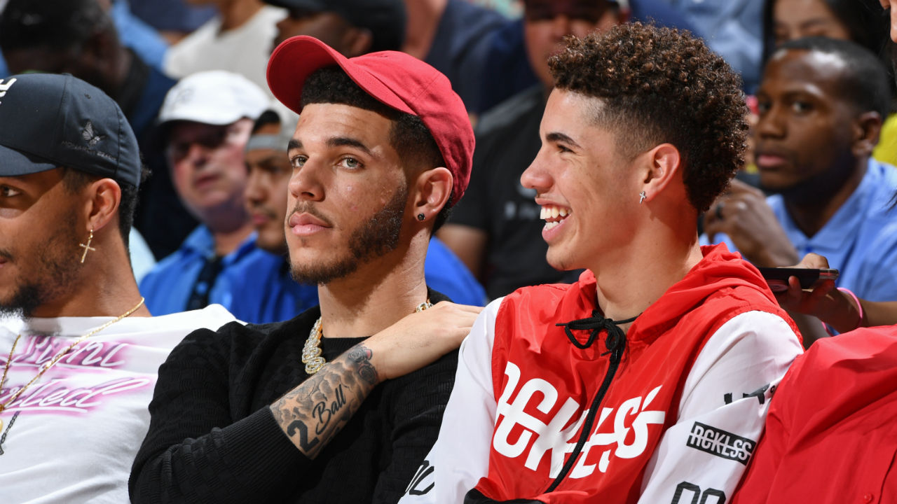Report: Ball brothers, LaMelo, Lonzo and LiAngelo set to sign with Jay-Z's Roc Nation Sports