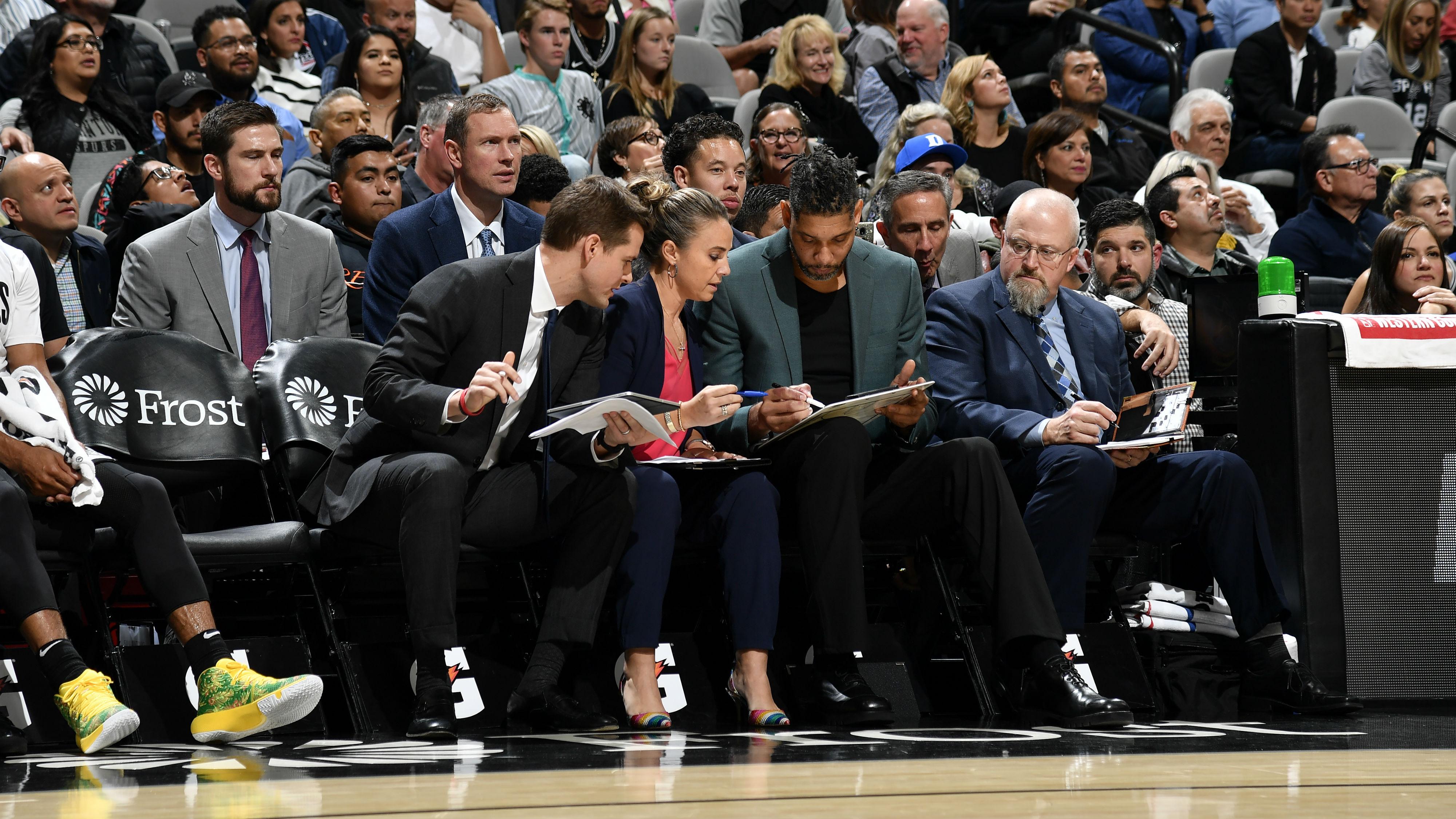 Tim Duncan dirige su primer partido en la NBA con San Antonio Spurs - NBA ES