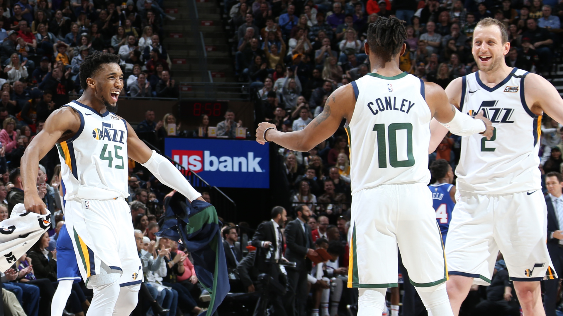 Joe Ingles dishes out twelve assists as the Utah Jazz dispatch the Sacramento Kings