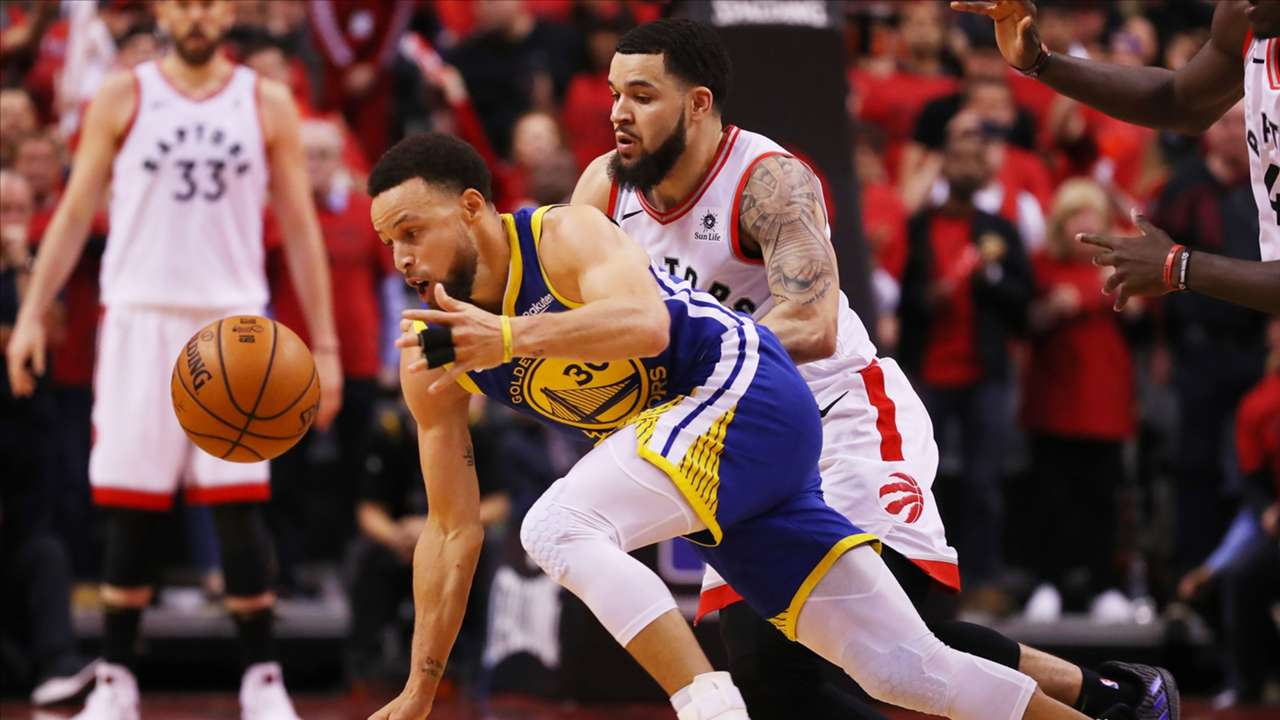 Stephen Curry and Fred VanVleet