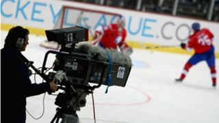 TV-camera-hockey-10292008-Getty-FTR