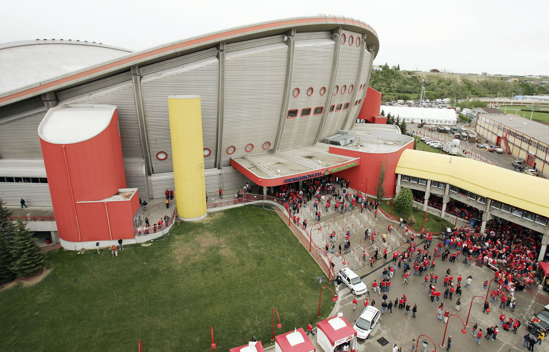 Calgary Flames No Point To Continue Pursuit Of New Arena In Calgary Sporting News Canada