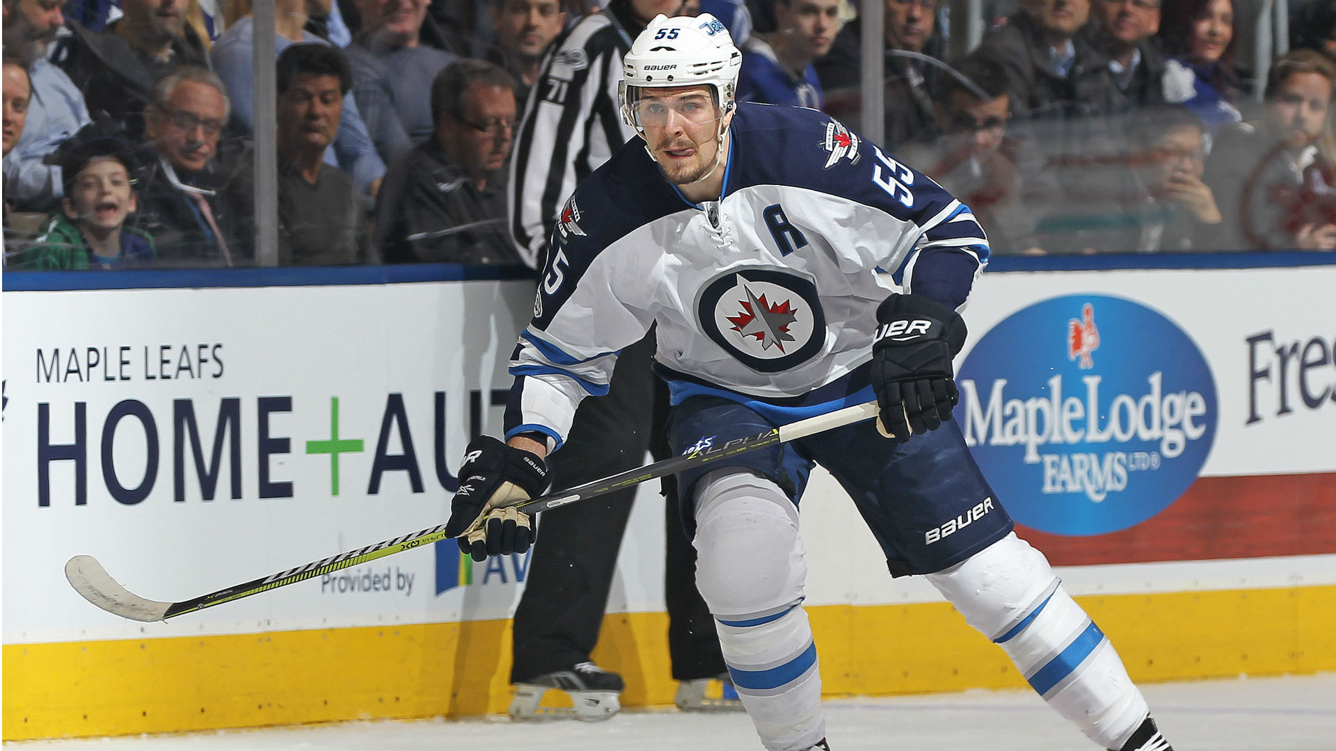 Mark Scheifele Injury Update Jets Forward Day To Day After Initial Scare Sporting News Canada