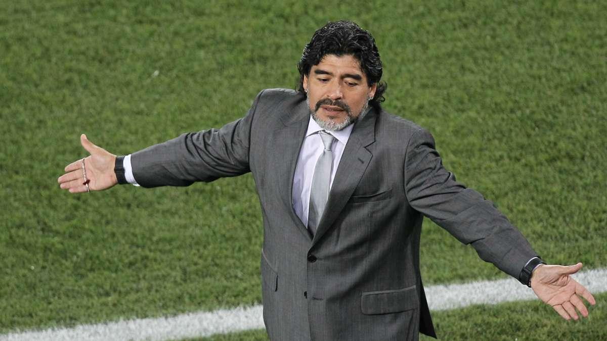 بعد وفاة مارادونا .. ماذا قدم الأسطورة الأرجنتينية طوال ...
