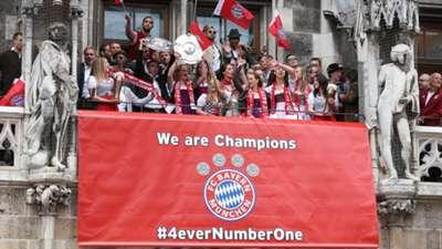 01 Bayern München Meisterfeier Marienplatz 2015/16