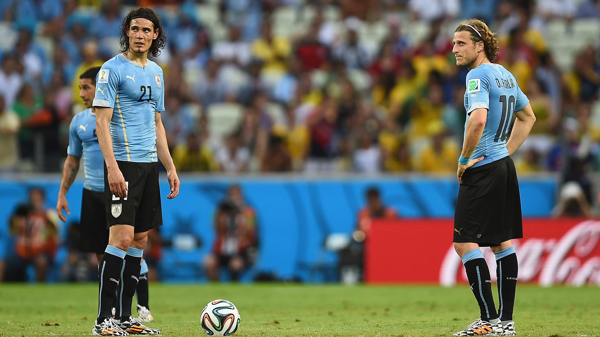Forlan encourage Cavani à rejoindre Boca Juniors