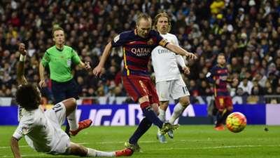 Andres Iniesta Real Madrid FC Barcelona 11212015