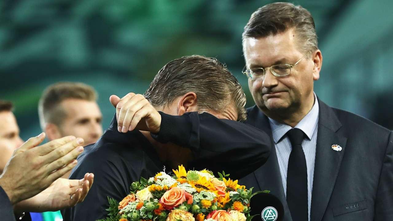 Bastian Schweinsteiger Reinhard Grindel Germany Finland International Friendly 31082016