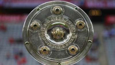 Trophy FC Bayern Munchen Hamburger SV Bundesliga 14082015