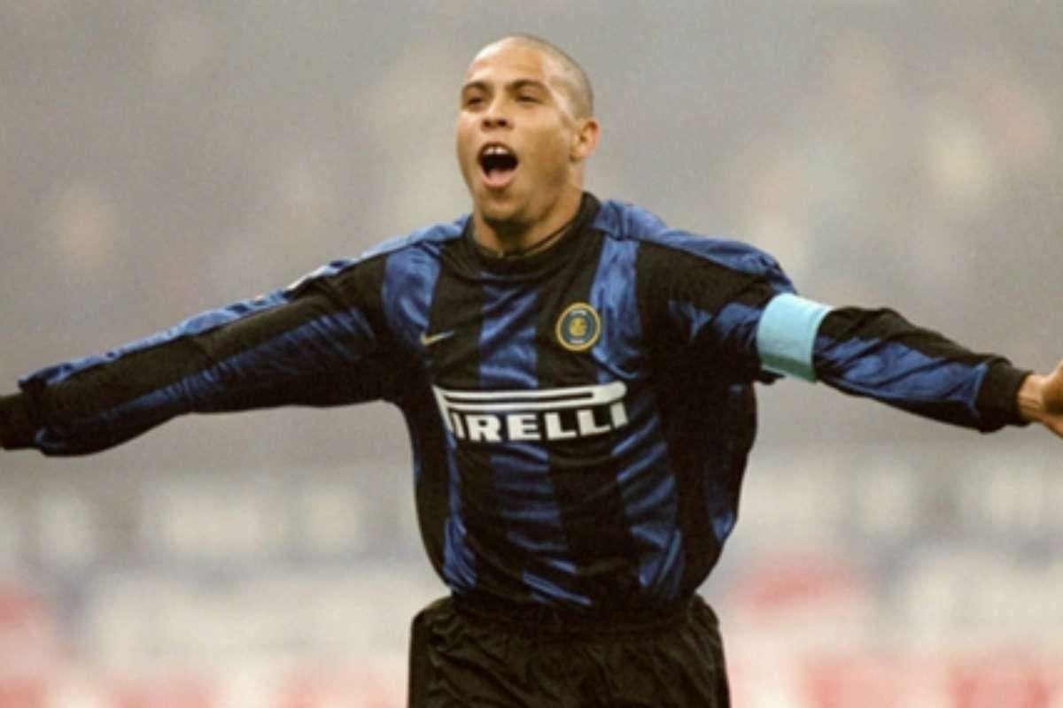 """Ronaldo se fue al Inter por dinero pero quería seguir en Barcelona""""    Goal.com"""