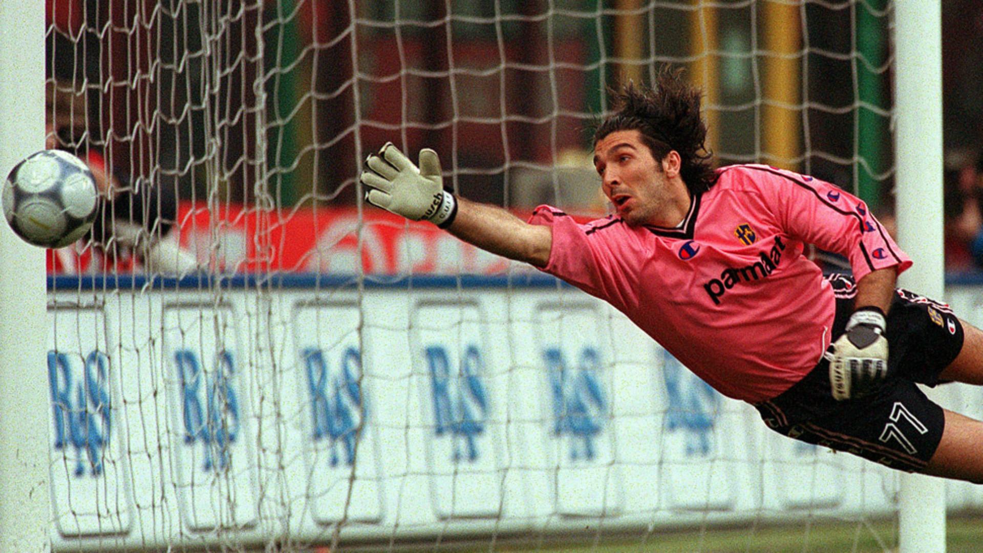 Gigi Buffon e le maglie delle polemiche: dalla 00 all'88 | Goal.com
