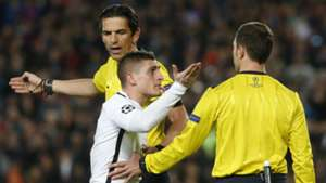 Marco Verratti referee Barcelona PSG UEFA Champions League 08032016