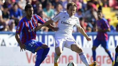 Victor Camarasa Luka Modric Levante Real Madrid La Liga
