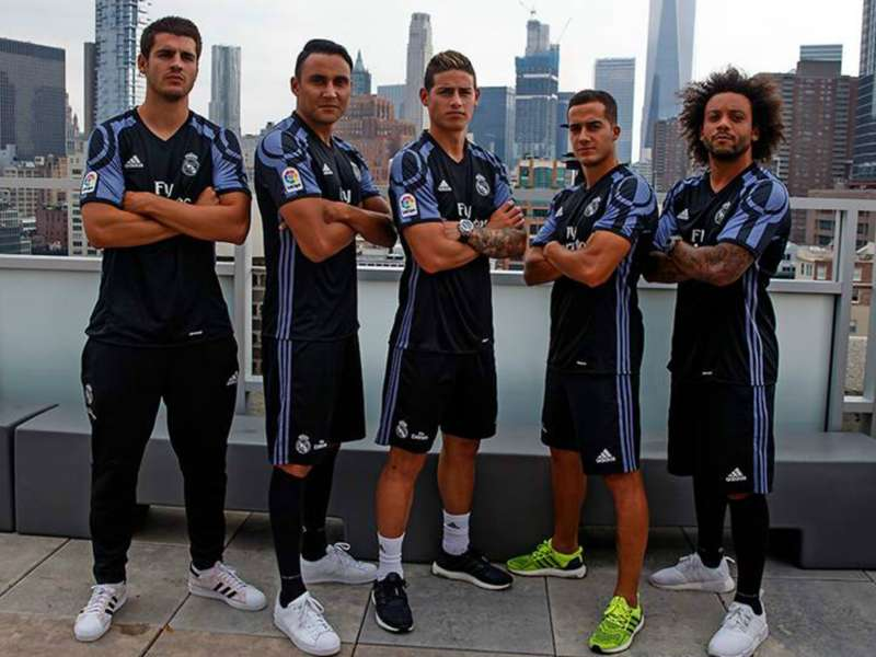 online store 0cc85 f652a Real Madrid unveil new third kit in New York | Goal.com
