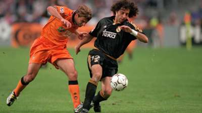 Iván Campo and Claudio Piojo López during Real Madrid-Valencia Champions League final match 2000