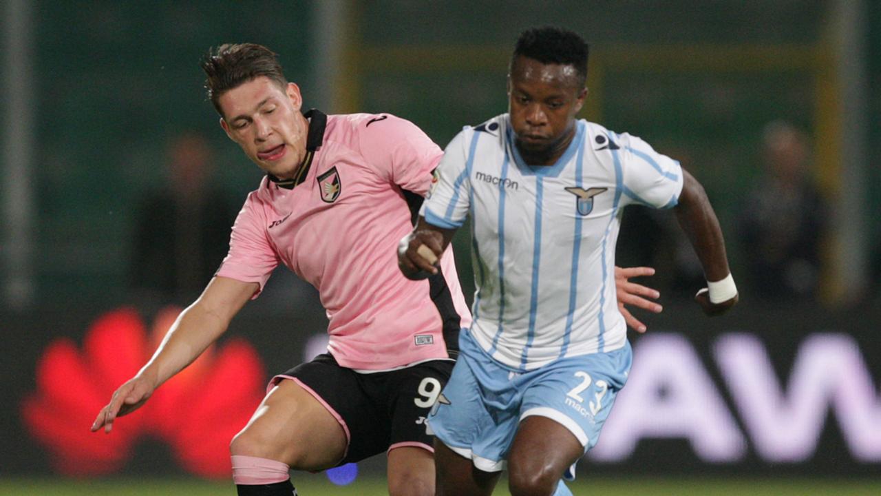 Belotti and Onazi fighting Palermo Lazio Serie A