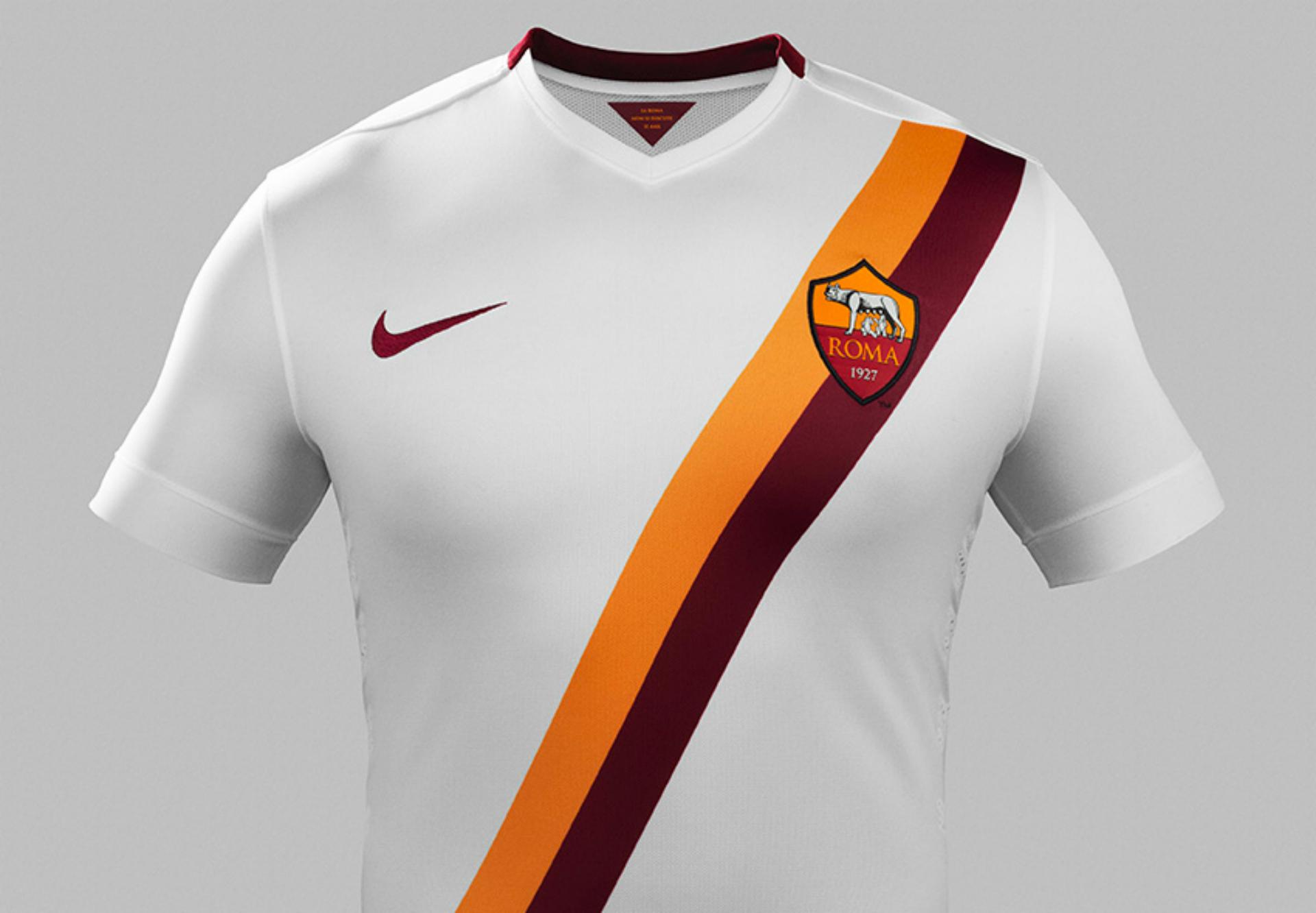 Ecco la nuova seconda maglia della Roma: bianca con strisce ...