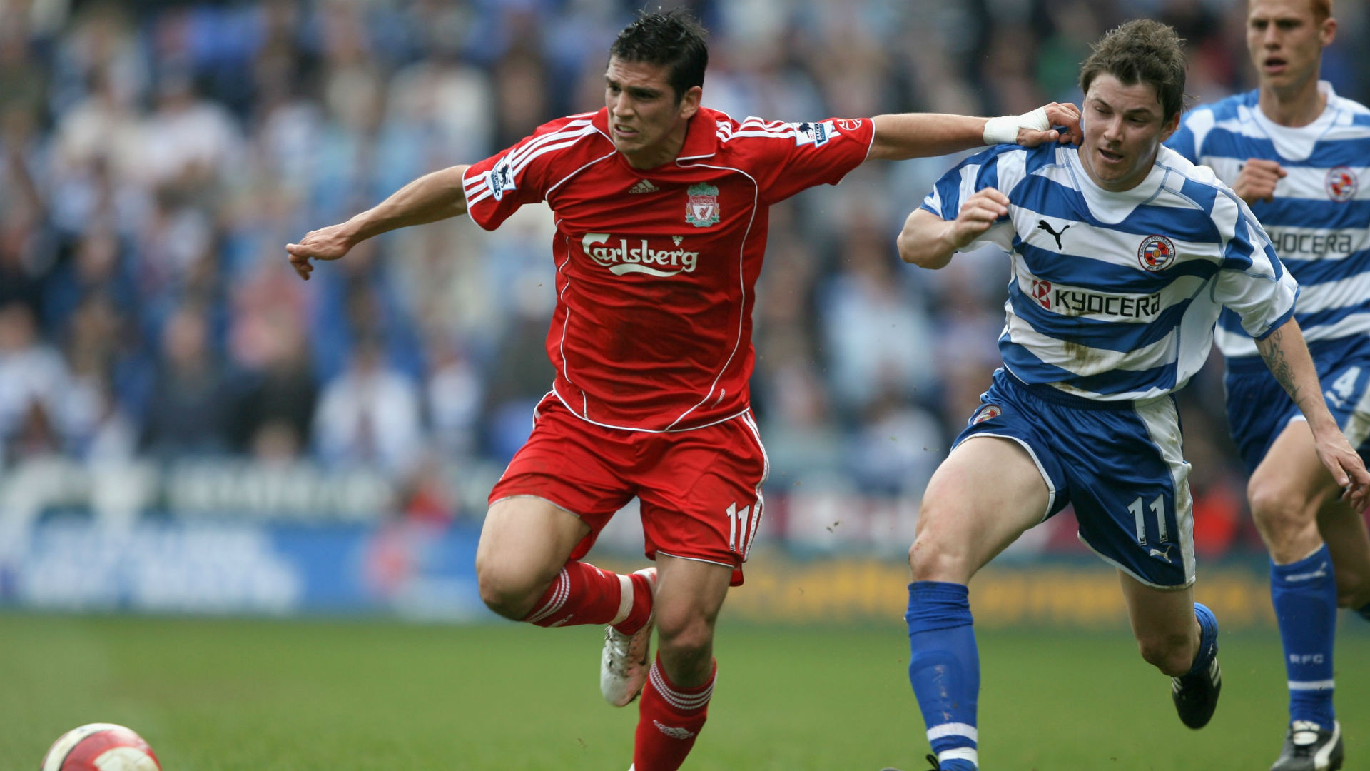 Former Liverpool winger Mark Gonzalez suffers heart attack aged 36