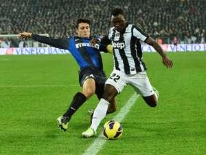 Javier Zanetti Inter Milan Kwadwo Asamoah Juventus Serie A 11032012 T10