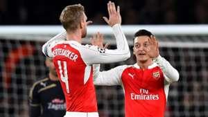 Per Mertesacker Mesut Ozil Arsenal Dinamo Zagreb Champions League 241115