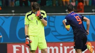 Iker Casillas Robin van Persie Netherlands Spain World Cup 13062014