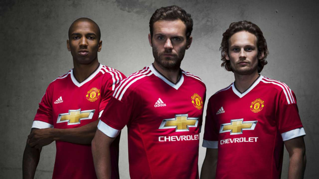 Ashley Young; Juan Mata; Daley Blind Manchester United 2015-16 home kit