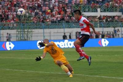 Persepam Madura United vs PSM Makassar - Indonesia Super League 2014 110202014