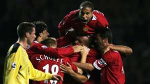 2004 - Man Utd 2-1 Liverpool - Rio Ferdinand returns from ban