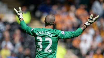 Victor Valdes Manchester United Premier League 24052015