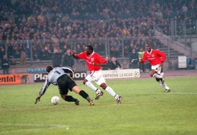 Dwight Yorke v Juventus 1999
