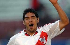 Debut River Plate Falcao 2005