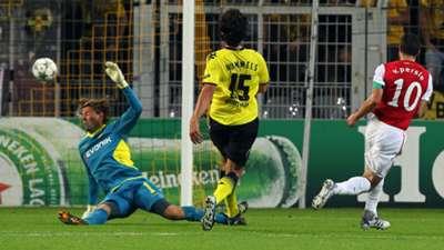 Robin van Persie v Borussia Dortmund