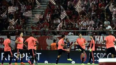Bayern Munich warm up against Olympiacos