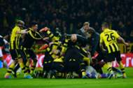 Dortmund 3-2 Malaga celebrate 4