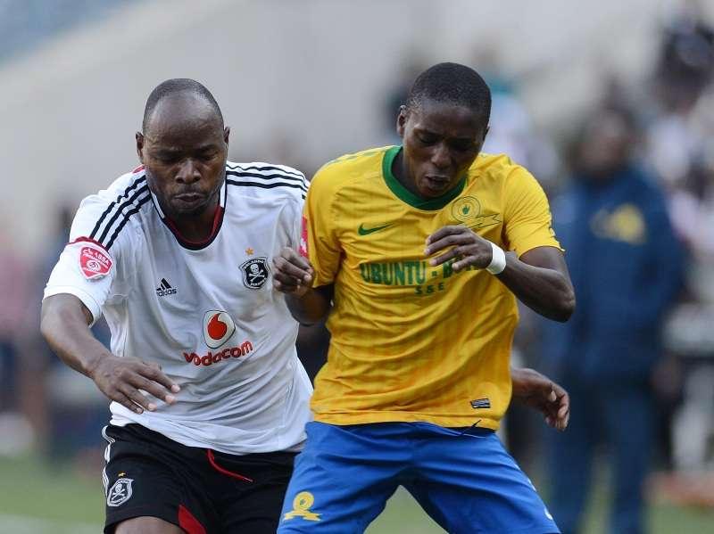 Elias Pelembe of Sundowns and Collins Mbesuma of Orlando Pirates