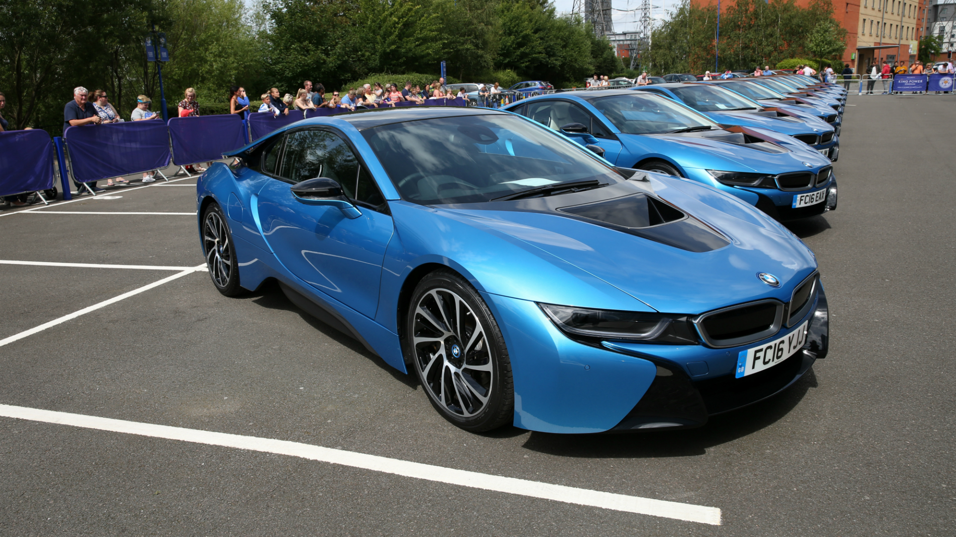 Leicester City S Premier League Winners Gifted Bmw I8s Goal Com
