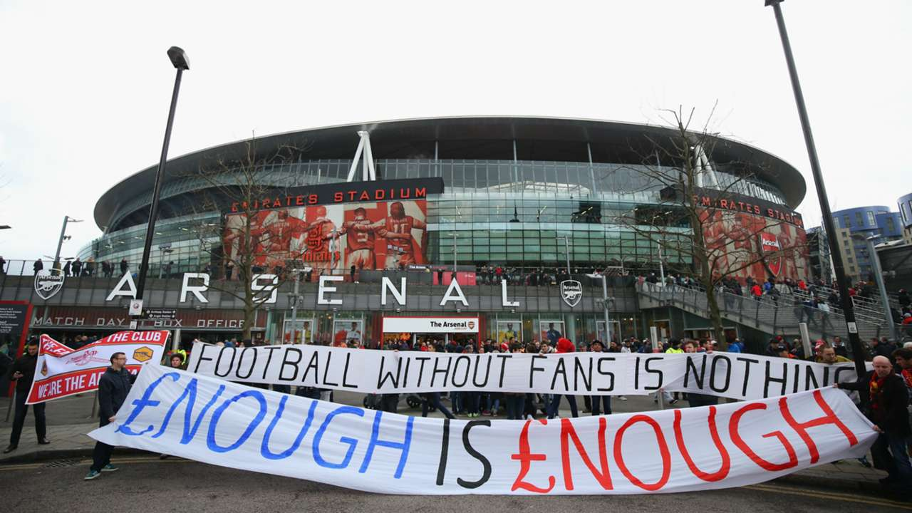 Fans protest Arsenal Liverpool 04042015