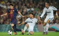 Lionel Messi, Xabi Alonso, Mesut Ozil - Barcelona-Real Madrid