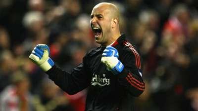 Pepe Reina Liverpool Real Madrid Champions League 2009
